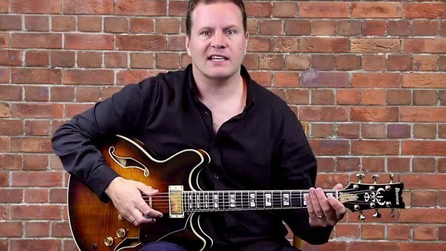 Spicing up the Blues - Sliding 9th Chords