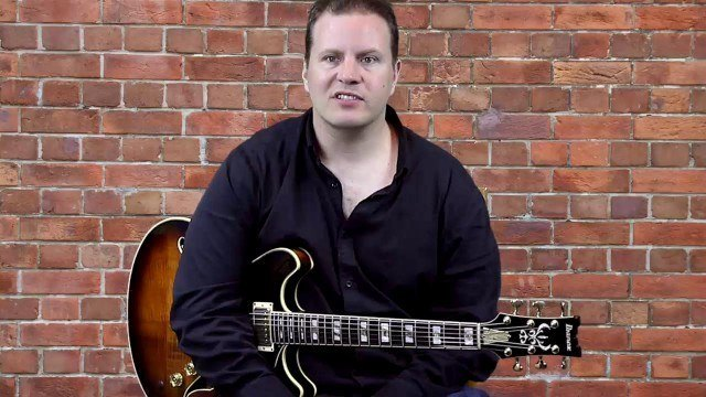 Spicing up the Blues - Soloing with Arpeggios
